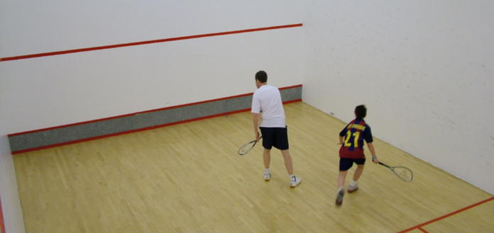 Squash on 2 courts